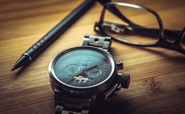 Die Kunst guter Delegation Zeit sparen Uhr
