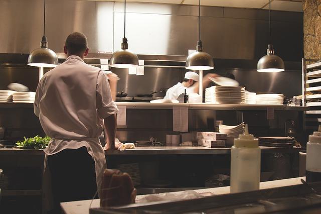 Was haben Tante-Emma-Läden mit moderner Steuerberatung zu tun? www.kanzleiprofiling.de Gastronomie Küche Arbeit