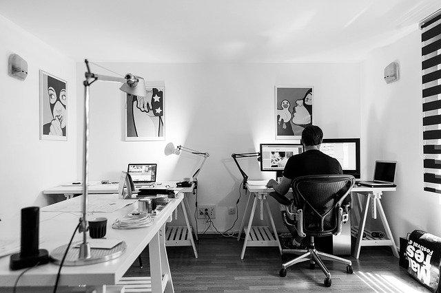 Vertrauen und Technik- die Eckpfeiler in Krisenzeiten Homeoffice arbeiten Büro